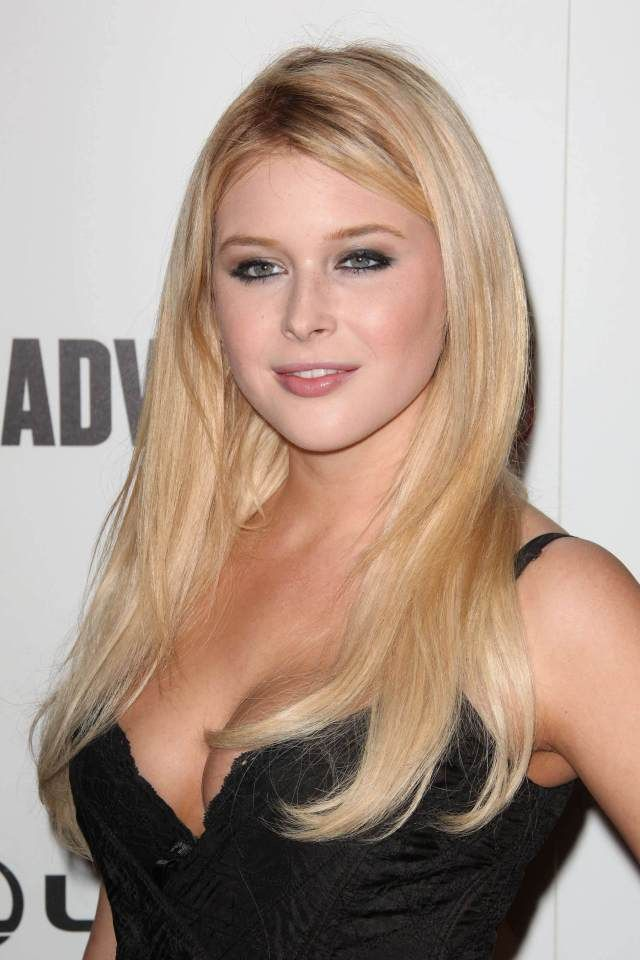 2017 Celebrity Woman Renee Olstead Rebecca Renee