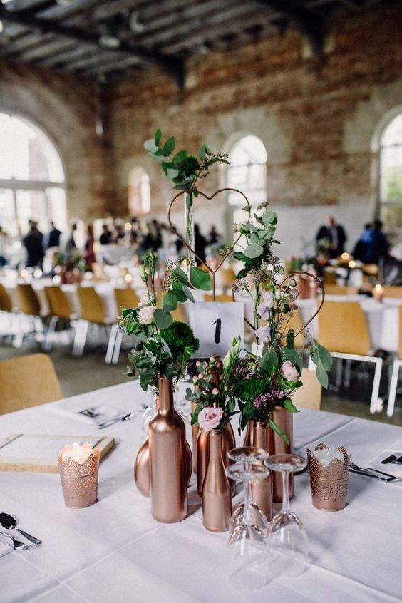 60 Impressive Wedding Centerpieces Inspirations Med Billeder Rustikt Bryllup Bryllup Dekoration Bryllup Bordpynt