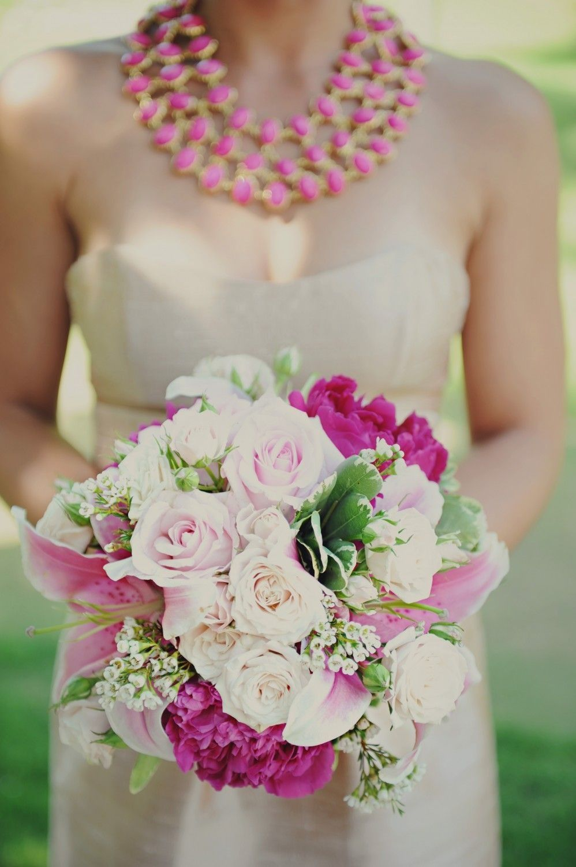 Bouquet combinando com o colar, um luxo só!
