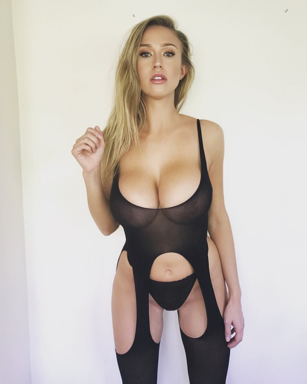 Sophie Reade Boob Size Minimalist 1,994 likes, 78 comments - sophie reade (@sophiereadeofficial) on