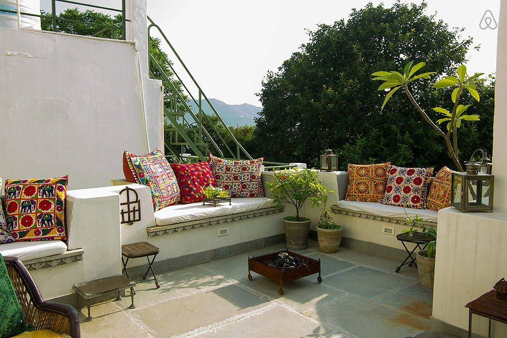 Rosie S Retreat Homestay Lakeside Apartments For Rent In Udaipur Apartment Decor Home Decor Decor