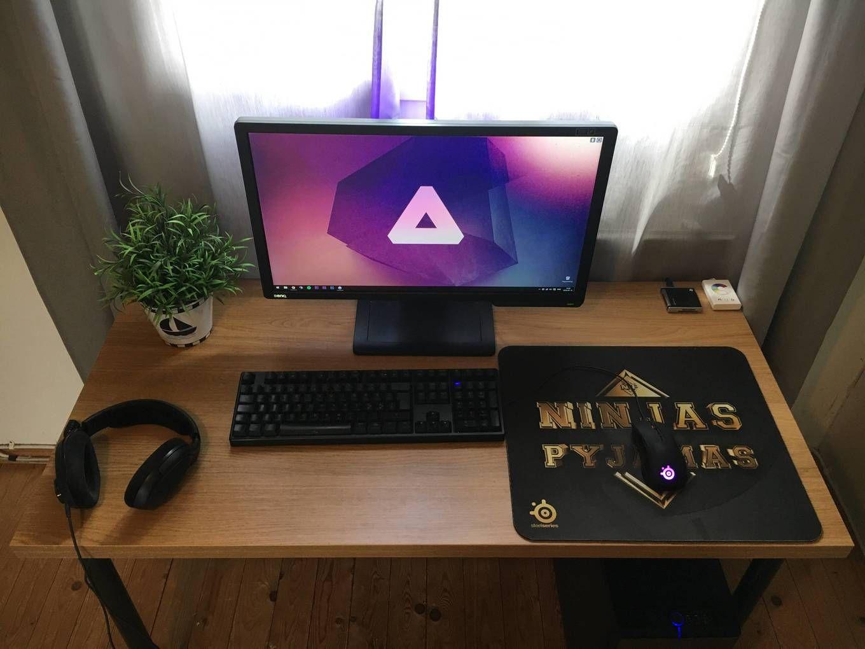 Clean. | Gaming room setup, Computer setup, Computer desk ...