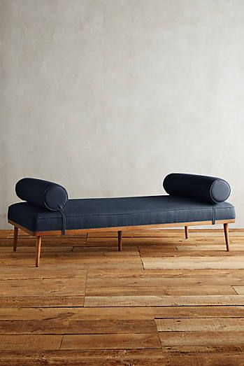 Chaises, Daybeds & Lounges