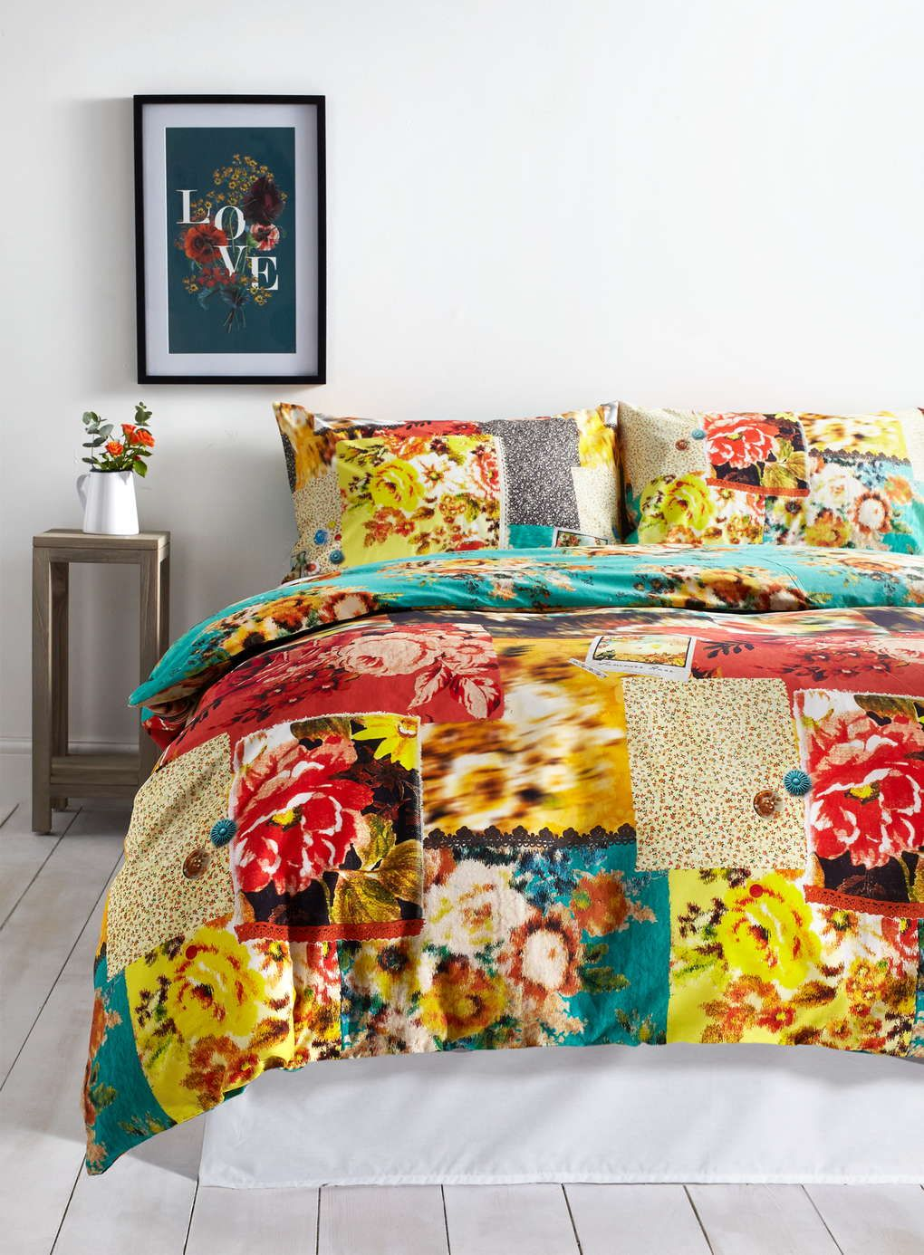 The Sweet Nostalgia Printed Bedding Set Patch Reversible Features Beautiful Fl Work Patterns With Intricate