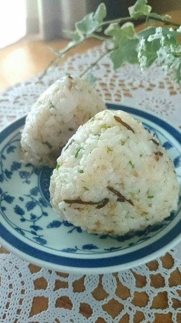朝食に☆塩こんぶ味噌マヨおかかおにぎり★ by まなげ★ [クックパッド] 簡単おいしいみんなのレシピが224万品