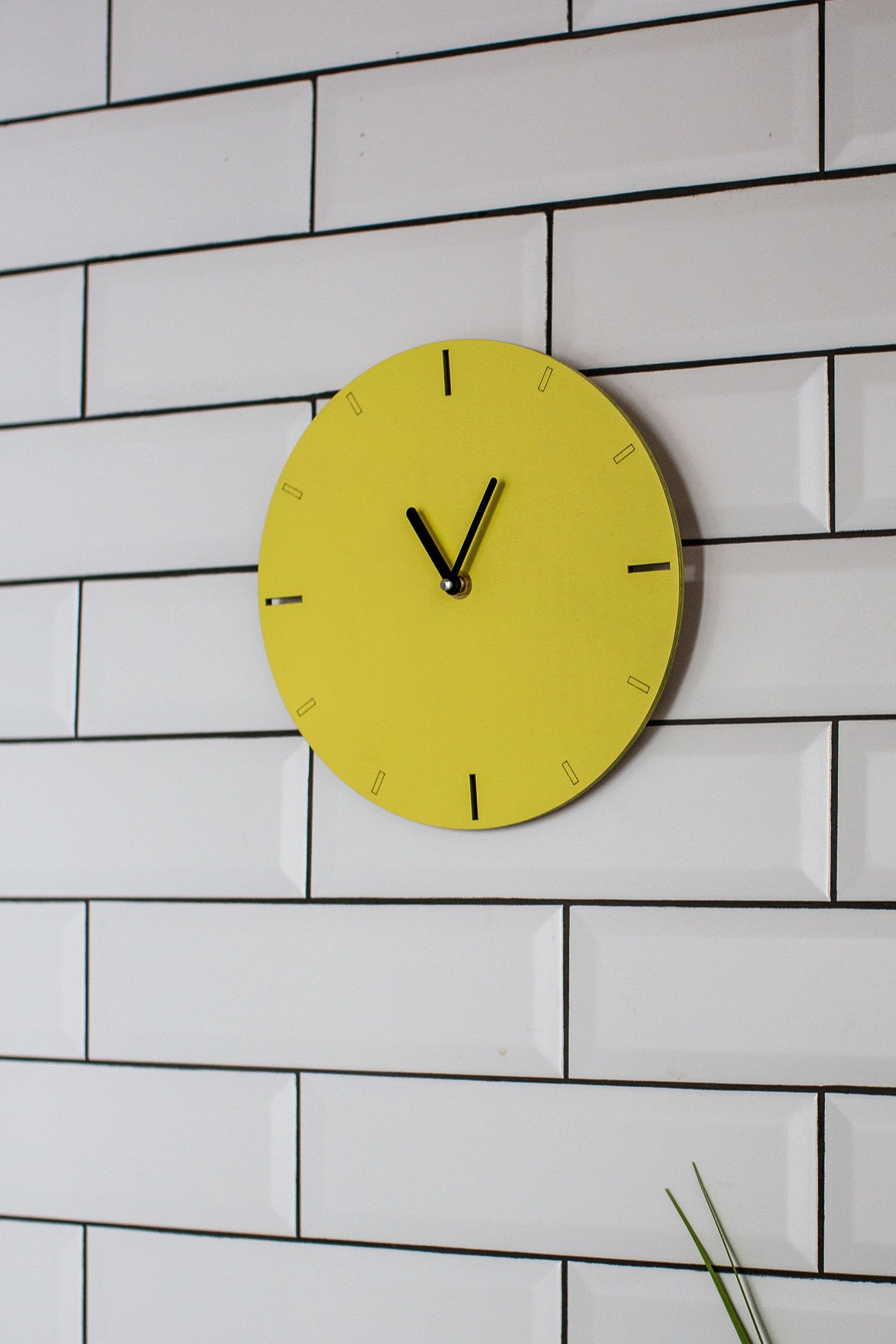 Wooden Modern Clock For Wall Yellow Wall Clock Decorative Handmade Simple Silent Round Wall Clock Housewarming Gift Yellow Home Decor Chasy