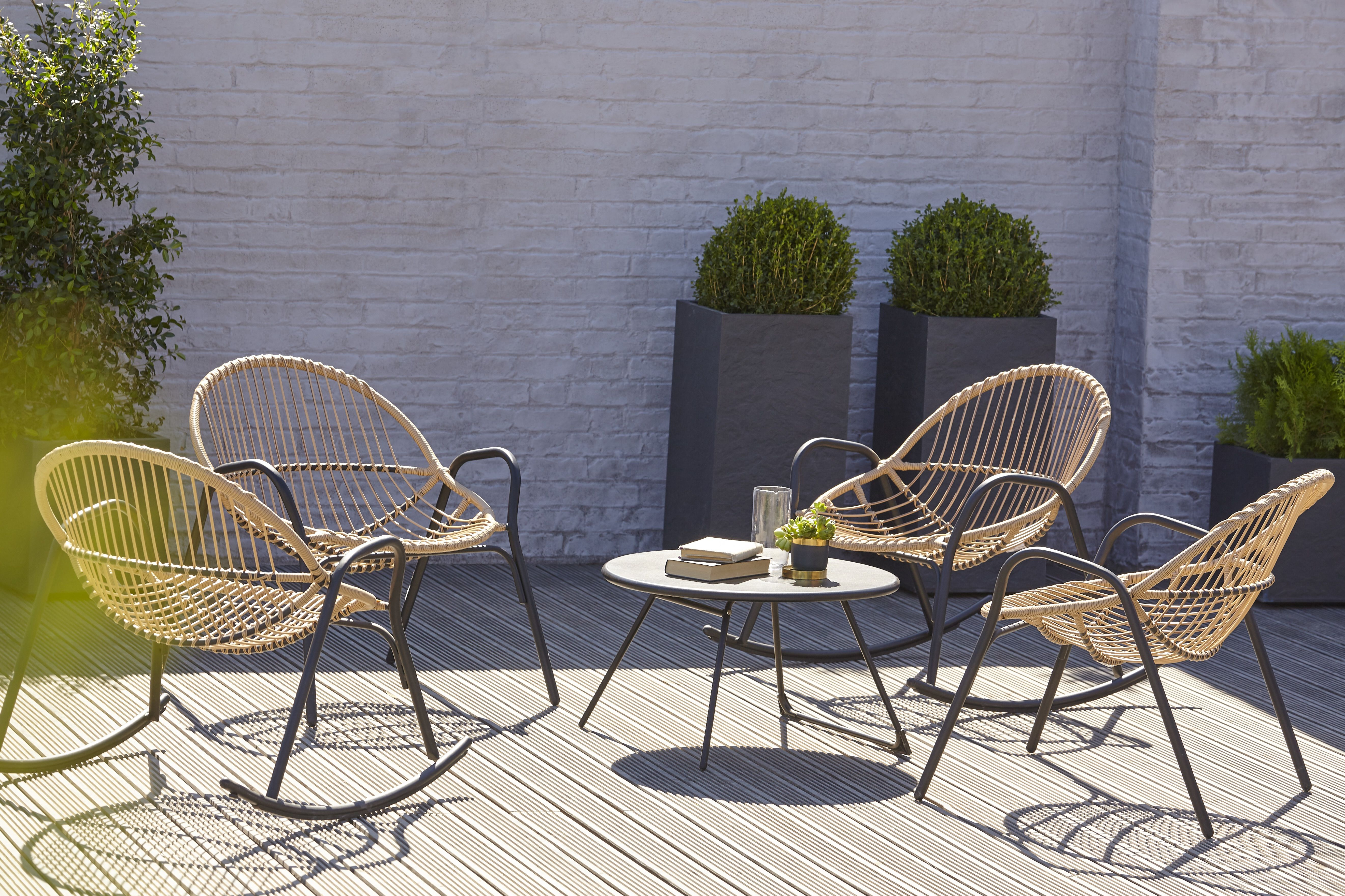 Included In B Q S New Outdoor Furniture Collection Is This 400 x 300