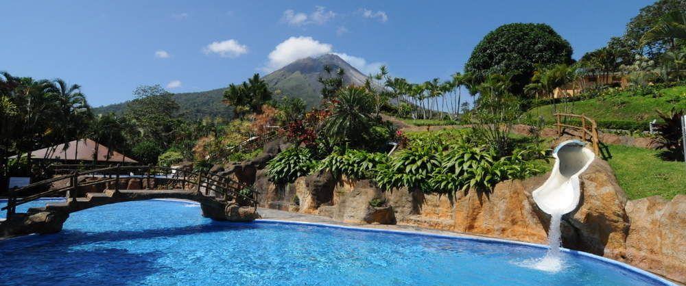 Los lagos arenal costa rica hotel aguas termales for Carlos house lagos