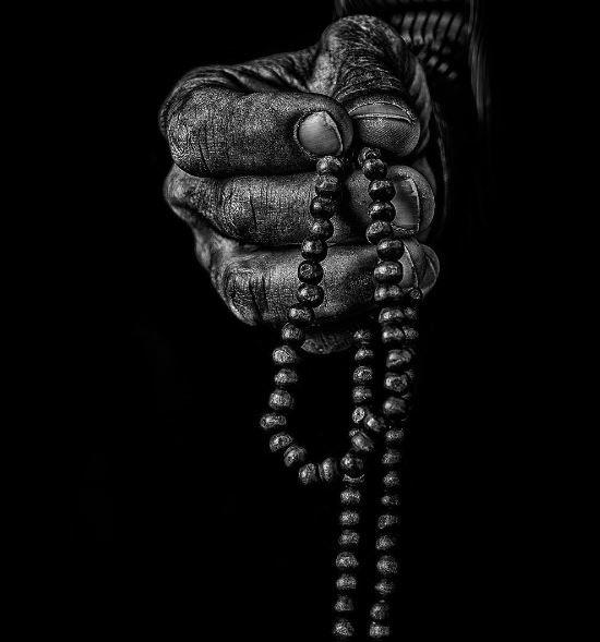 Pin Oleh Amir Elshiekh Di Noir Fotografi Hitam Putih Seniman Seniman Jalanan