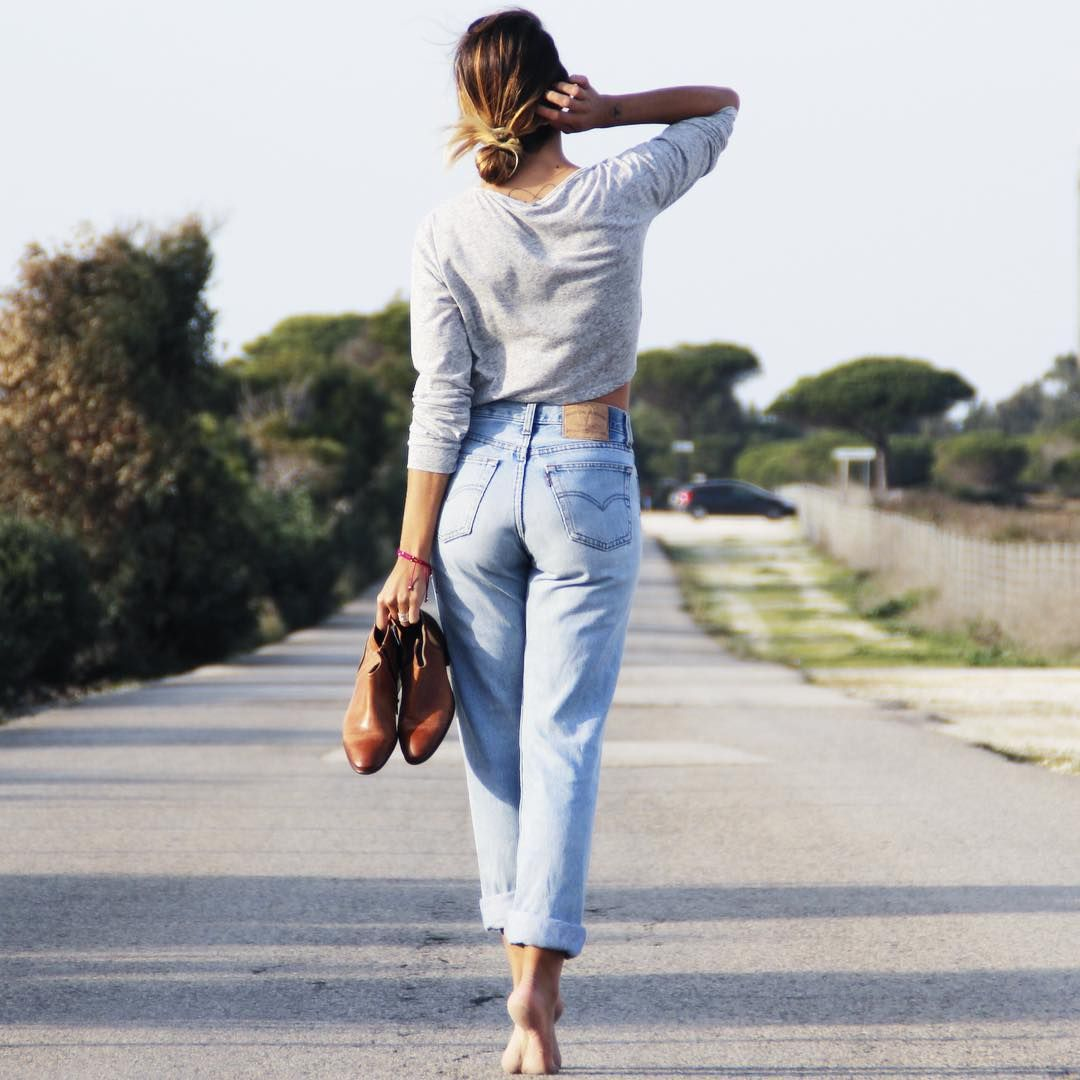 The official Instagram of Hudson Shoes | Mom jeans outfit