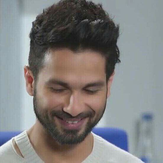 Desi Men Hairstyles: Pin By 🇨 🇭 🇪 🇪 🇰 🇺 😍 On Shahid Kapoor