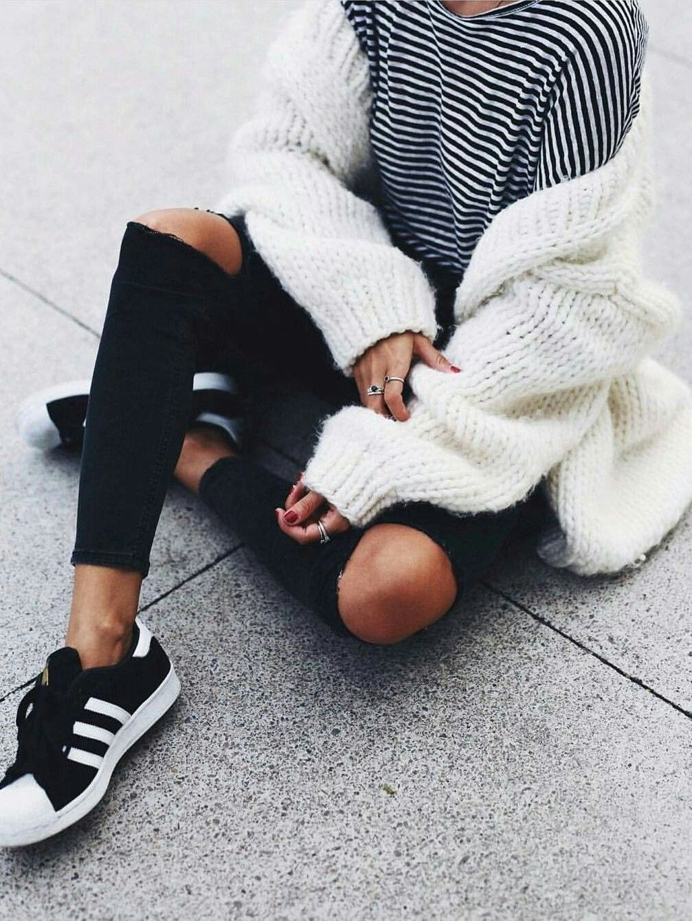 Pin de Claudia en FICHAJES ;) | Outfits adidas, Superstar ...