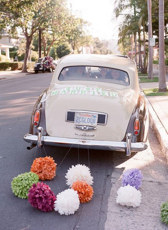 love this idea for the 'getaway' car! | Photo by Beaux Arts Photogaphie