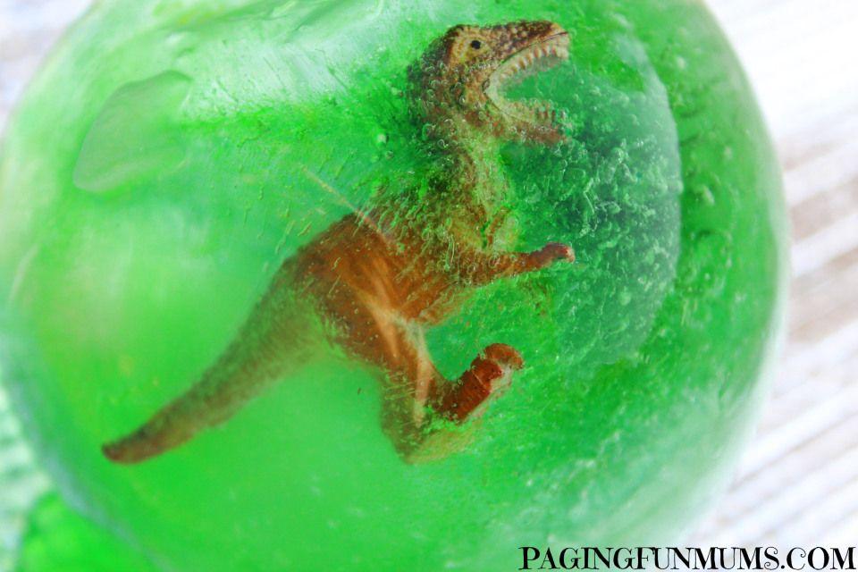 ovo-de-dinossauro-feito-com-gelo-e-bexiga4.jpg 960×640 pixels