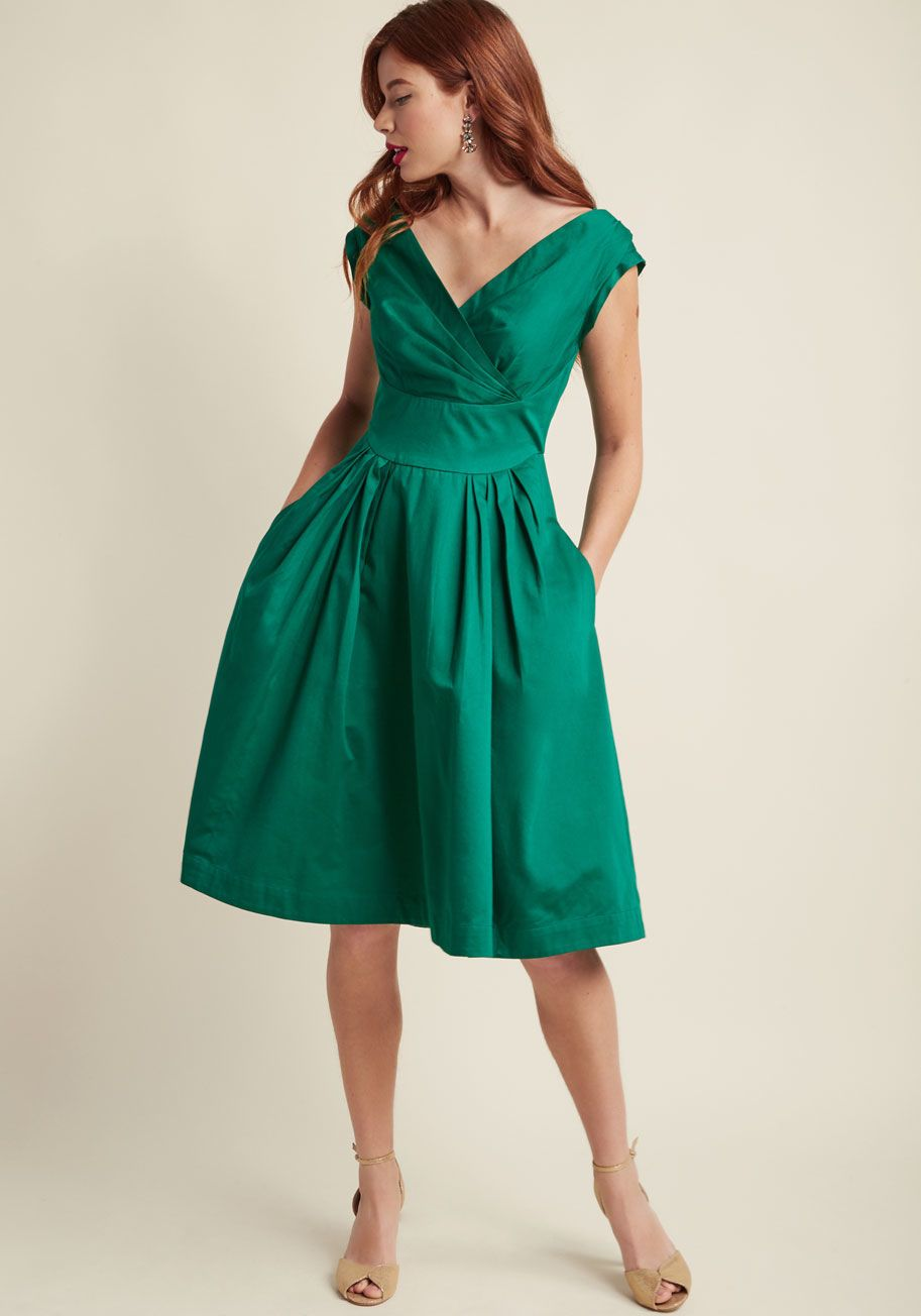 Emily and Fin Keener Postures Midi Dress in Clover | ModCloth, LUSH ...