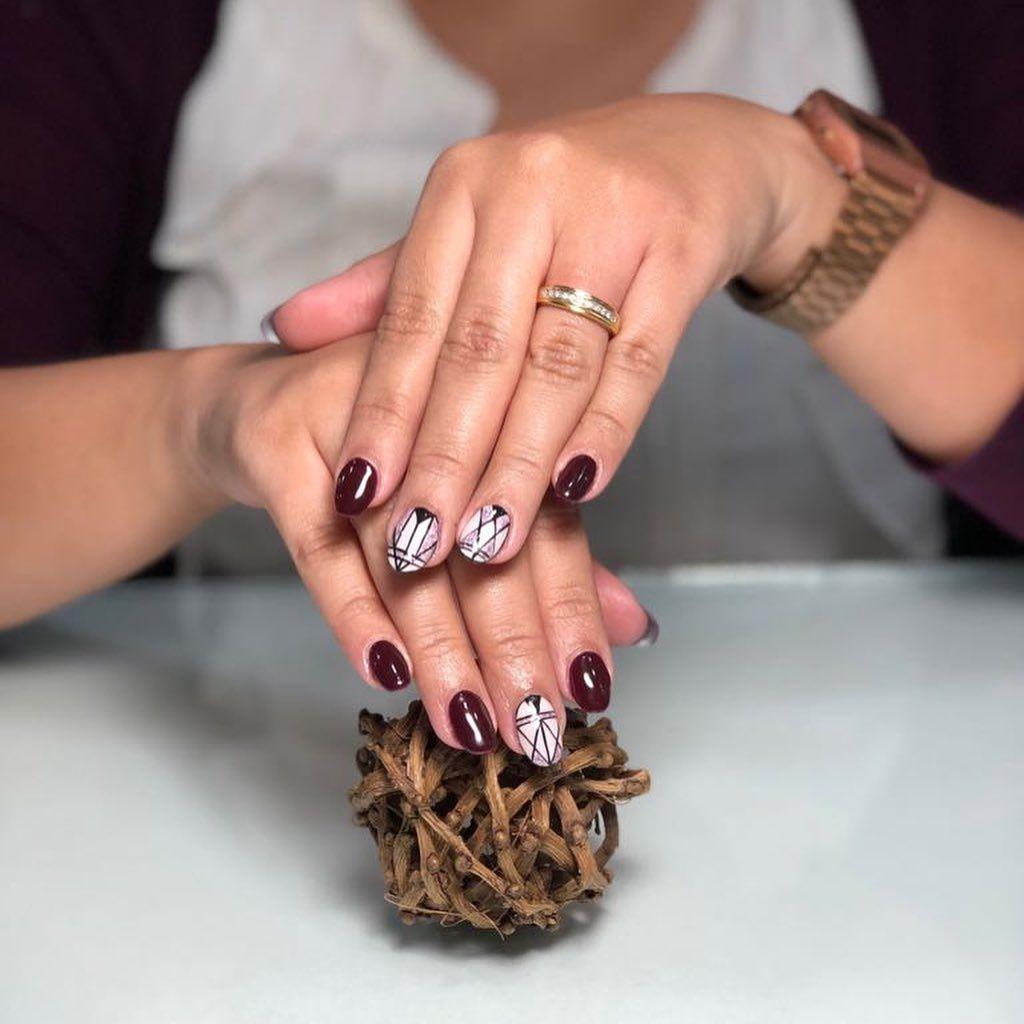 Extensiones de uñas, Esmalte semipermanente  Mano alzada 🎨 . .