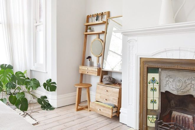 Best Oak Leaning Ladder Mirror Drawers In 2020 Small Dressing 400 x 300