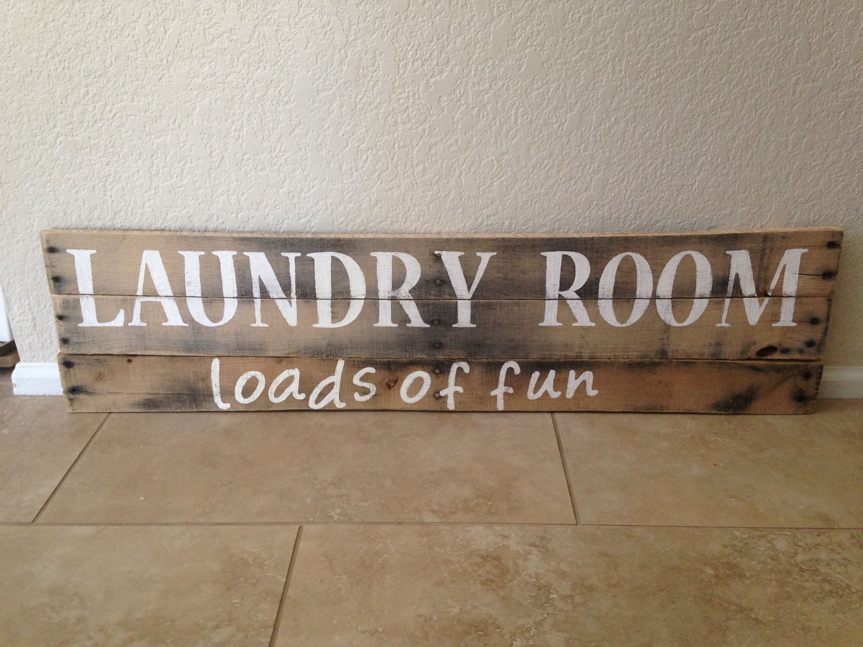 Pallet sign for laundry room   Laundry room signs, Laundry ...
