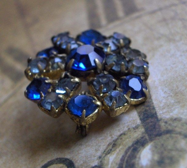 my mother's brooch, about 40 years old
