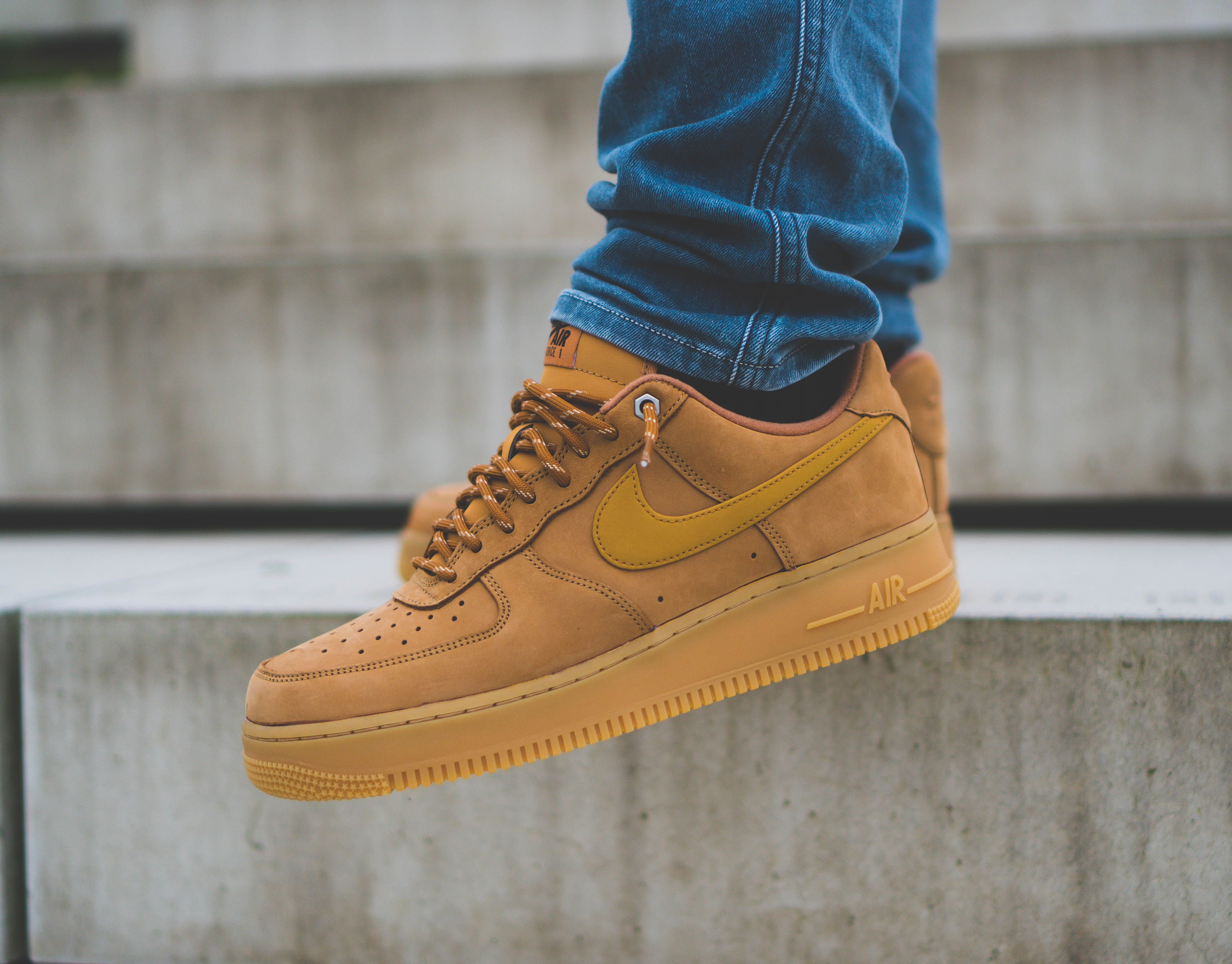 "Der Beitrag Latest Pickup: Nike Air Force 1 ""Wheat Brown"
