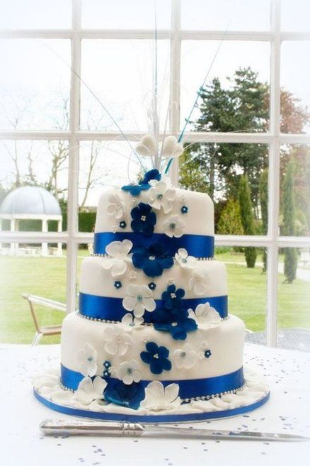 simple wedding cakes with blue flowers royal blue wedding cake found on www cakesdecor 20095
