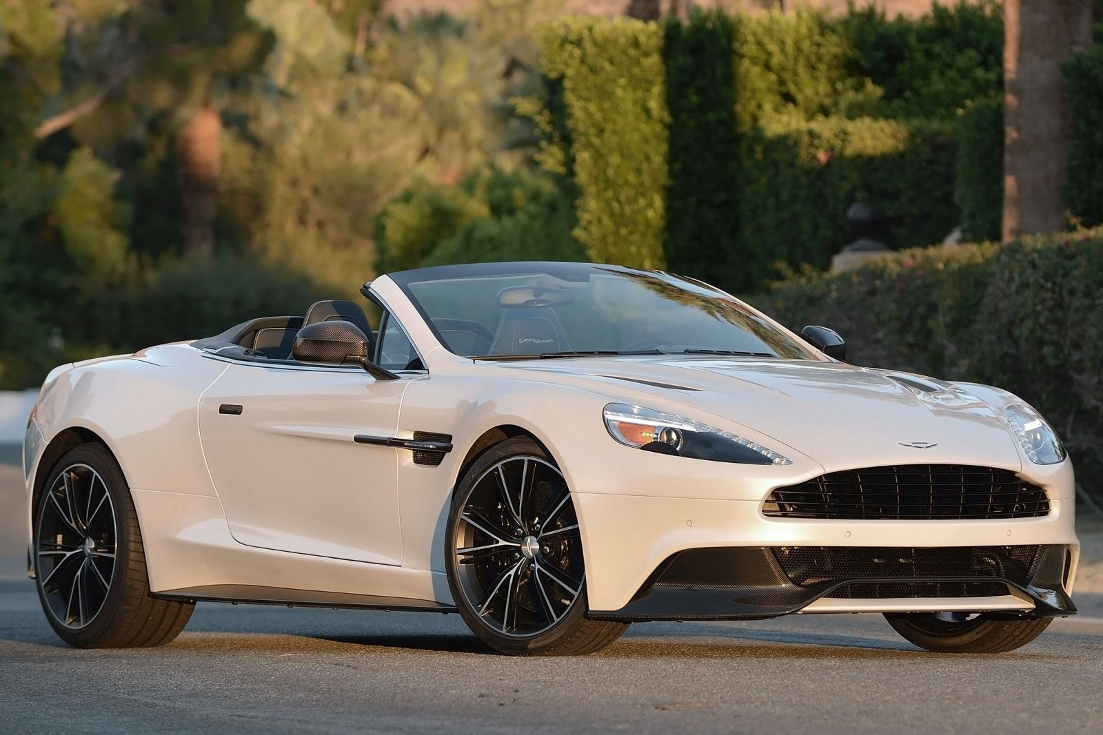 she 39 s a lady aston martin vanquish cars aston martin vanquish aston martin aston martin dbs. Black Bedroom Furniture Sets. Home Design Ideas