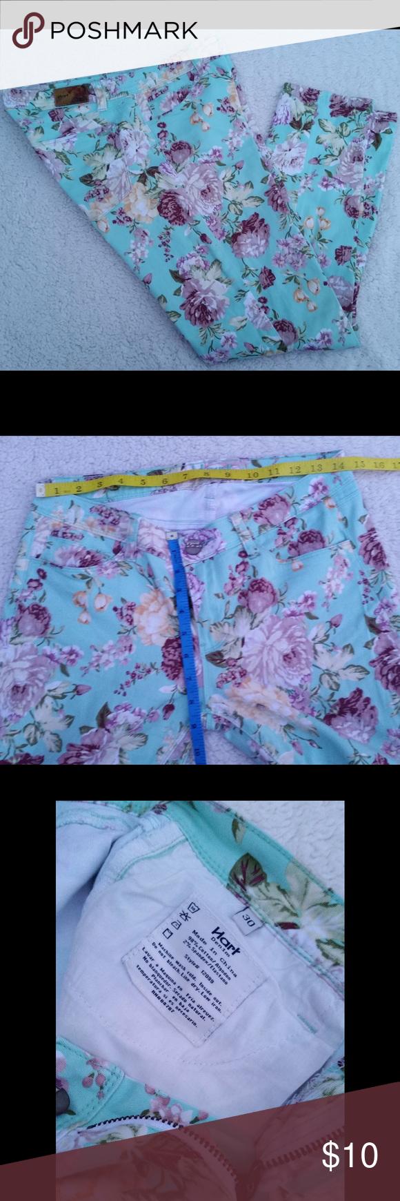 Hart Denim - Floral Print in size 30 Hart Denim - Floral Print in size 30 hart Jeans Straight Leg
