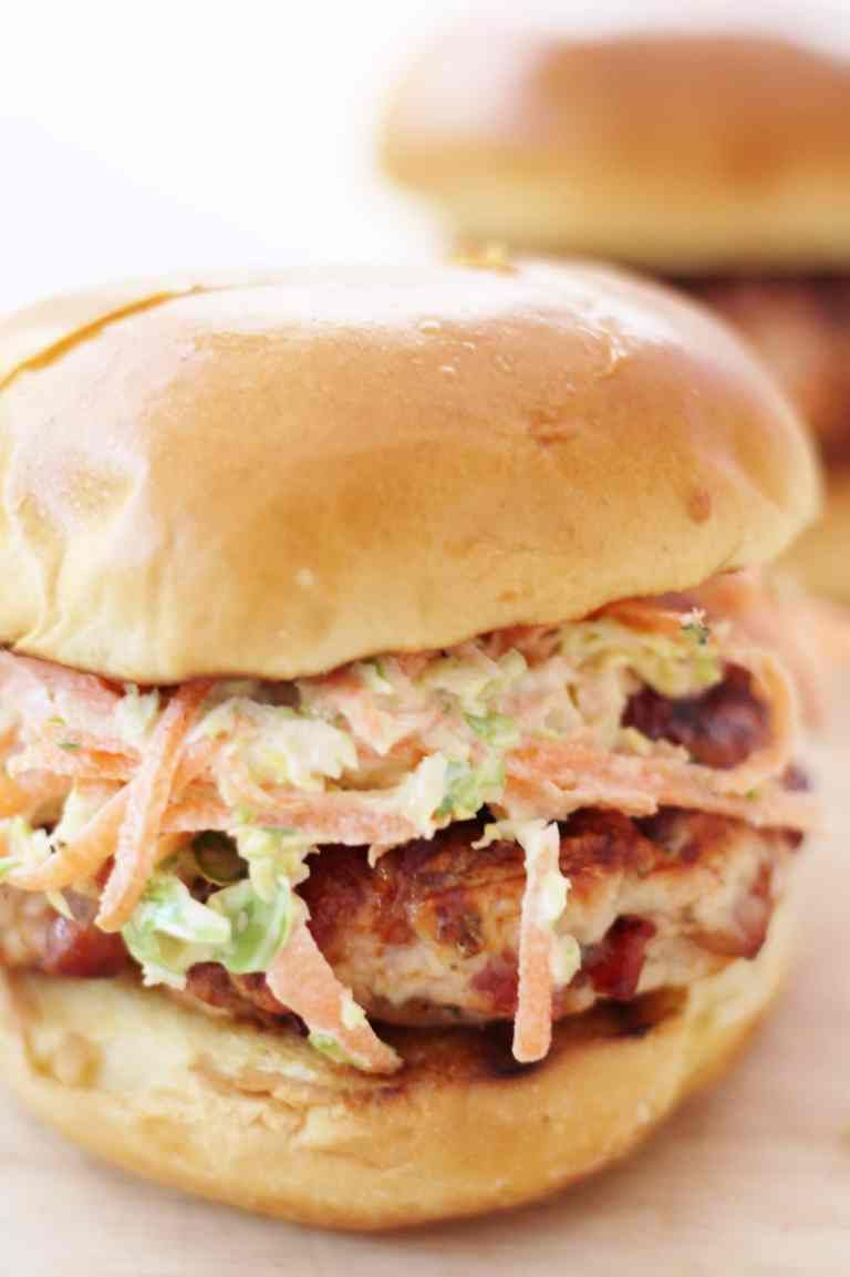 Christmas turkey burgers with cranberry relish and