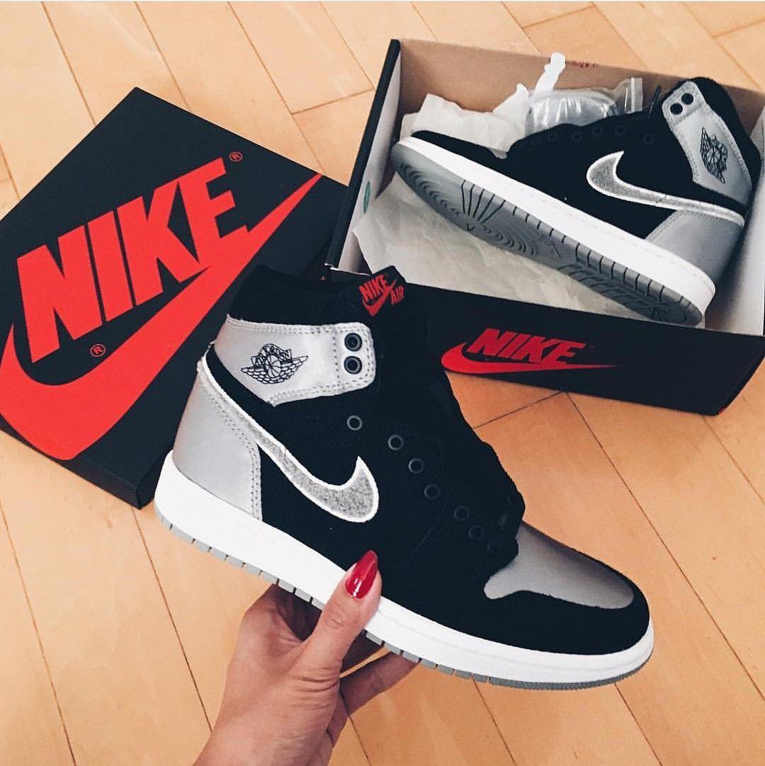 Nike Air Jordan 1st in black greyschwarz grau Foto