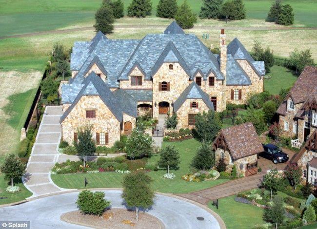 Jonas Brothers Texas Home Stunning Rustic Living Room: The Jonas Brothers House In Texas