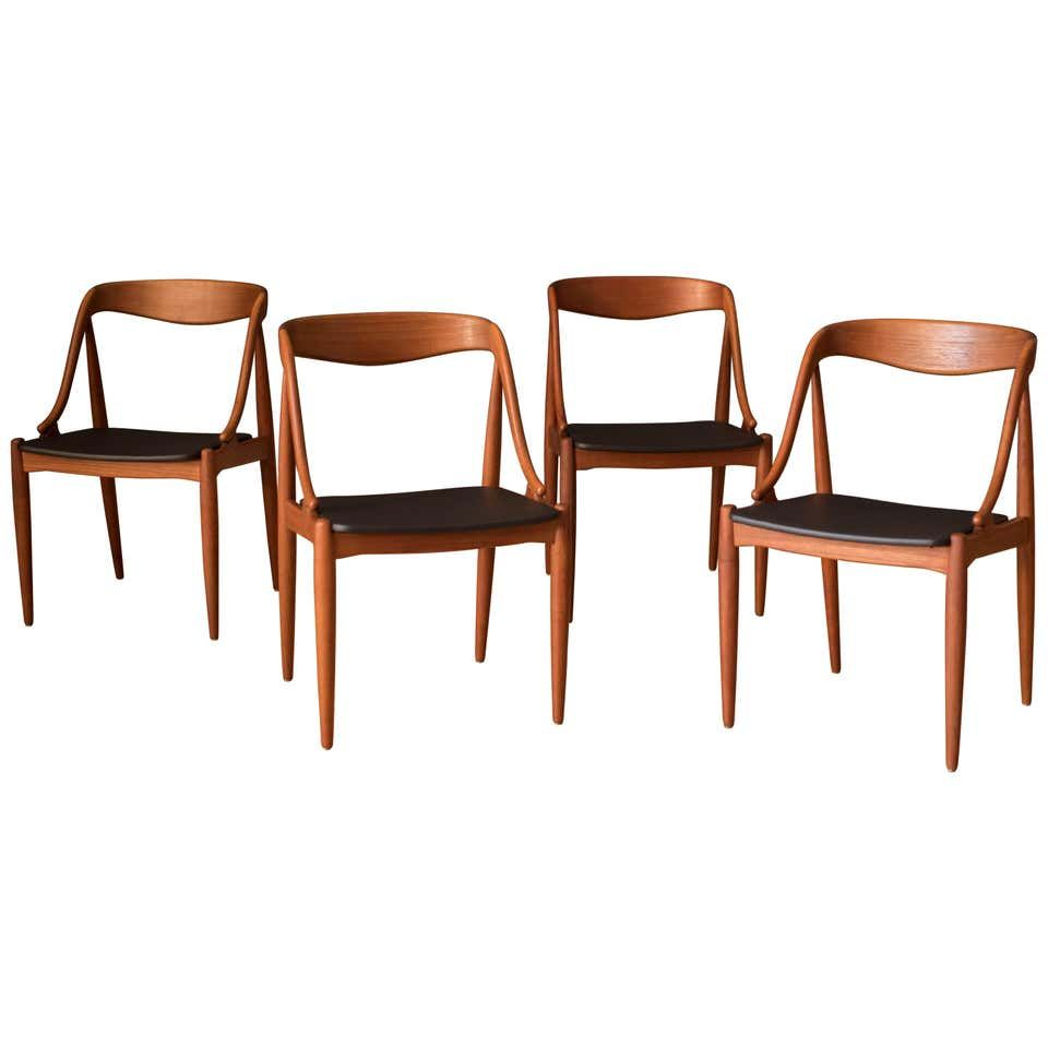 For Sale On 1stdibs Mid Century Modern Teak Dining Chairs By