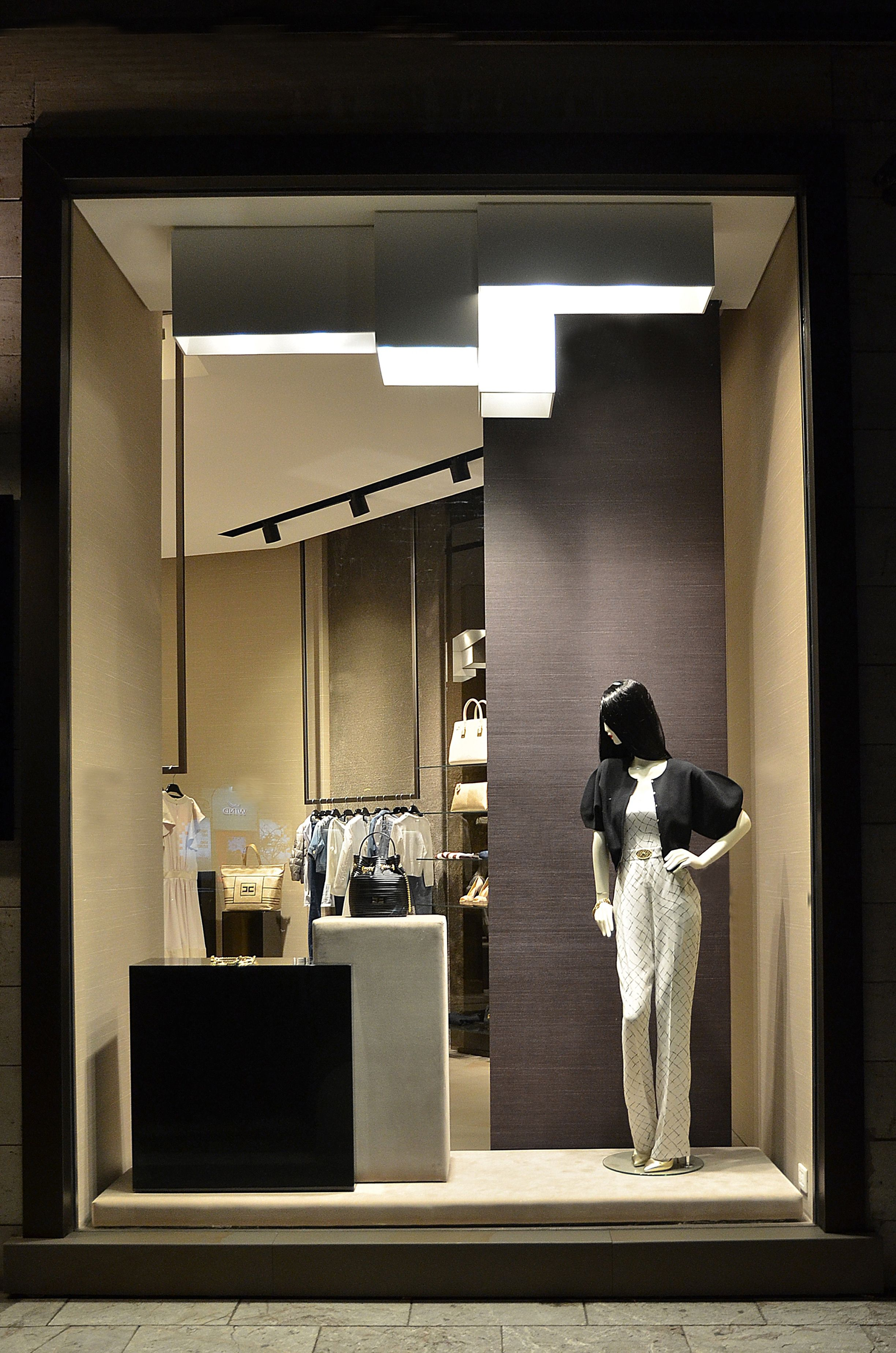 promo code 509ad 11ba1 vetrina | ELISABETTA FRANCHI a catania | Mirror, Bathroom ...