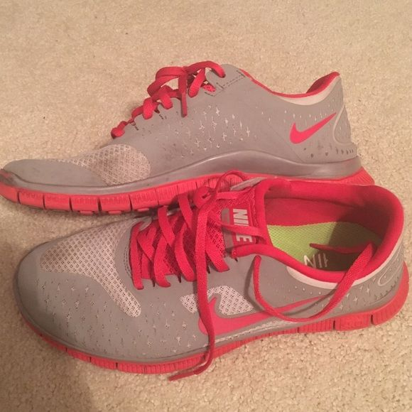 Nike free 4.0! Please view photos to see all wear! Nike Shoes Sneakers