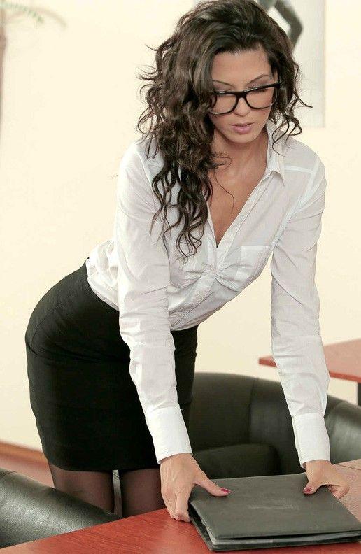 Tgirl webcam amateur in glasses hard and stroking