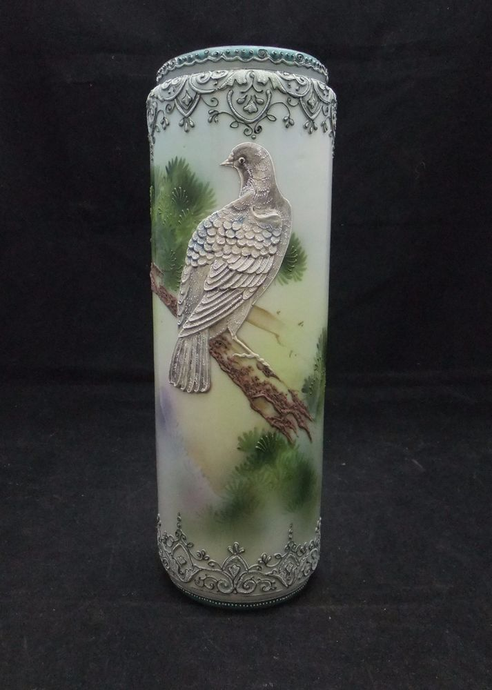 Nippon Moriage Bird Vase With Maple Leaf Mark Moriage Vases
