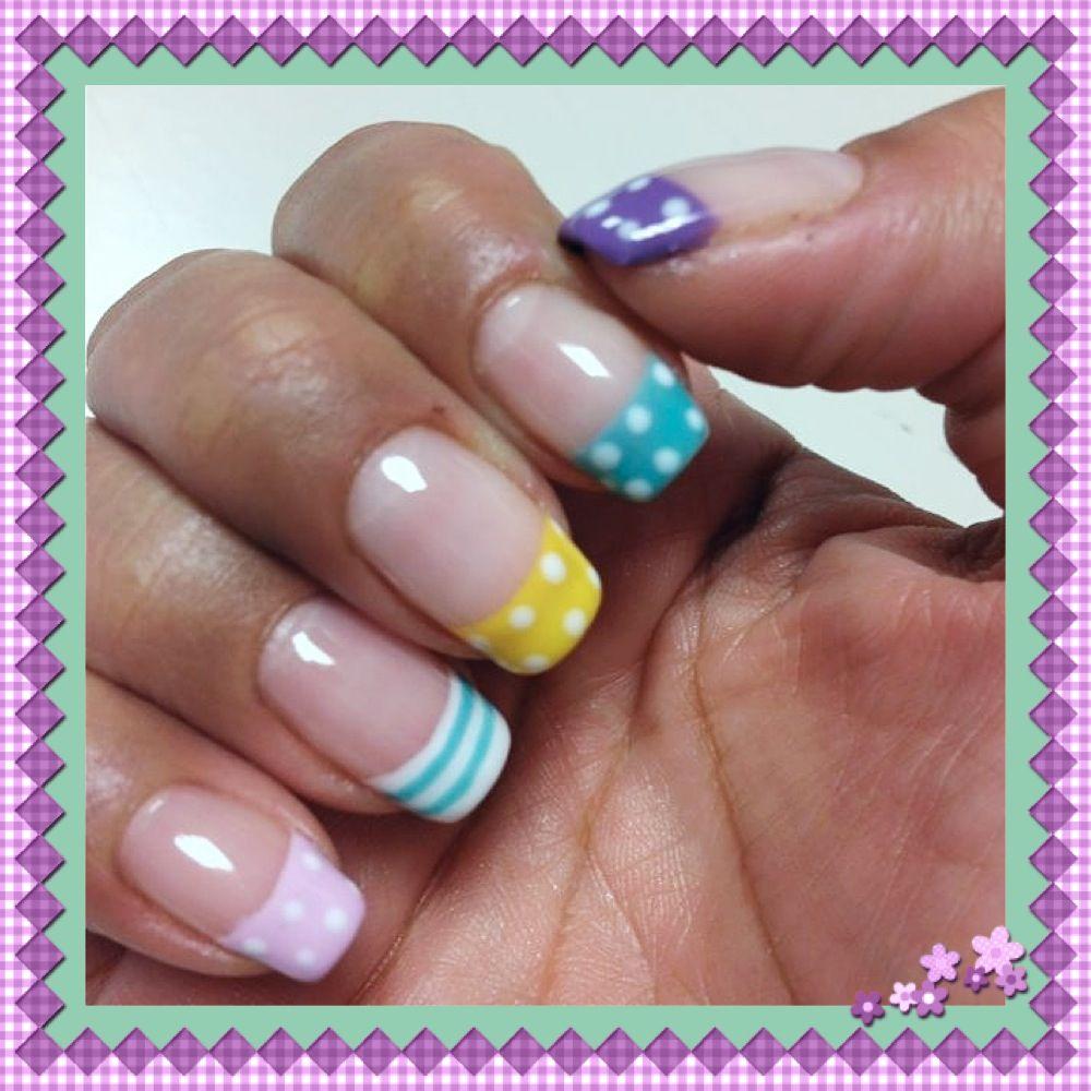 Cute nails!! :) love them