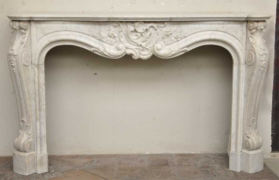 Exceptional Antique Louis Xv Style Fireplace In A White Carrara Marble Marble Fireplace Mantels French Fireplace Mantel Fireplace