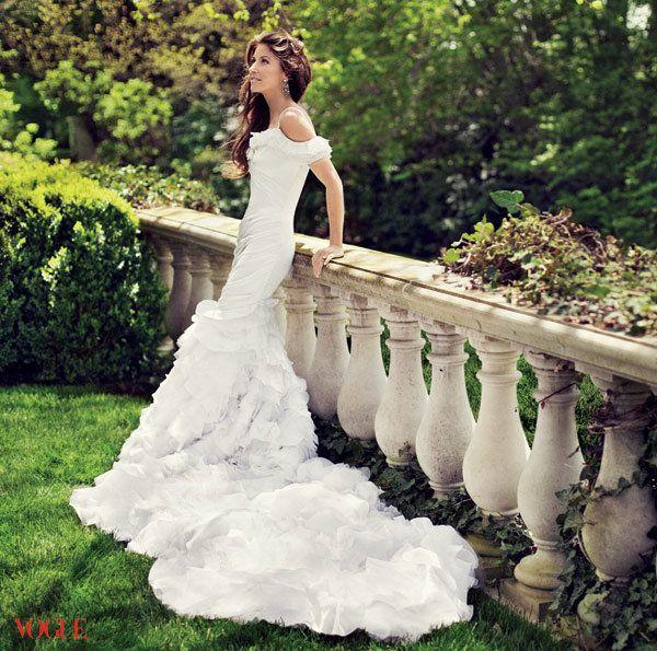 Love that Ralph Lauren designed his daughter's wedding gown.
