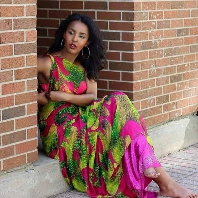Somali Female Ugaaso In Traditional Dress  Traditional -6058