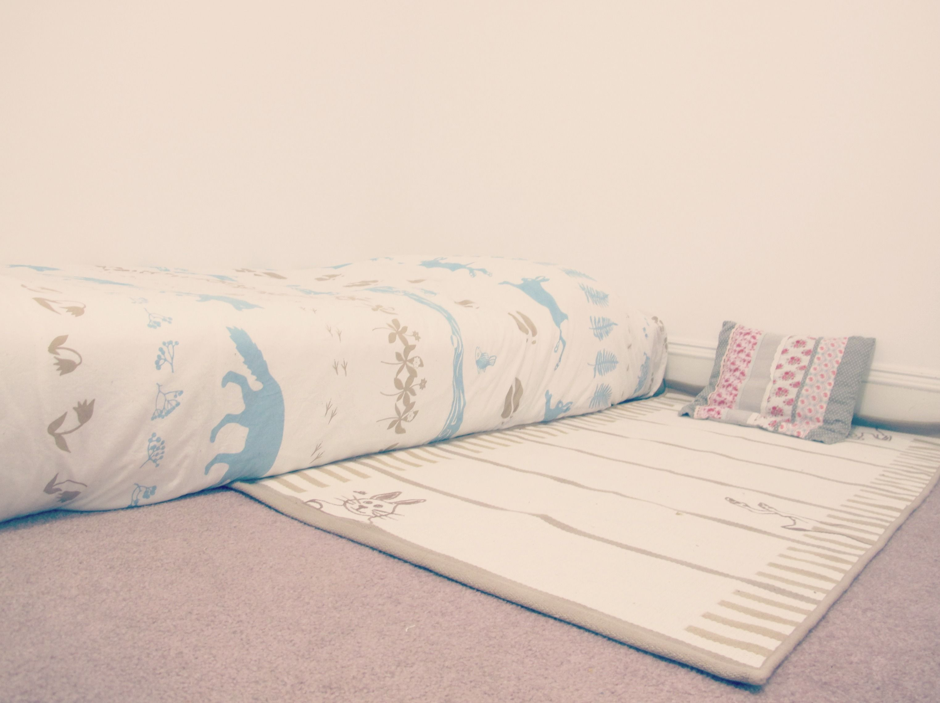 montessori inspired floor beds eases the transition from bed sharing to night beds or rooms eliminates the transition from the crib to