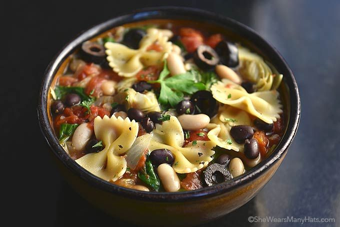 Minestrone Soup Recipe | http://shewearsmanyhats.com/minestrone-soup-recipe/