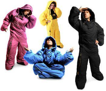 Macacão-saco de dormir (90 libras) – Quem disse que você precisa sair da cama pra alguma coisa!??! http://youpix.virgula.uol.com.br/top10/brrrrr-mashup-de-inverno/