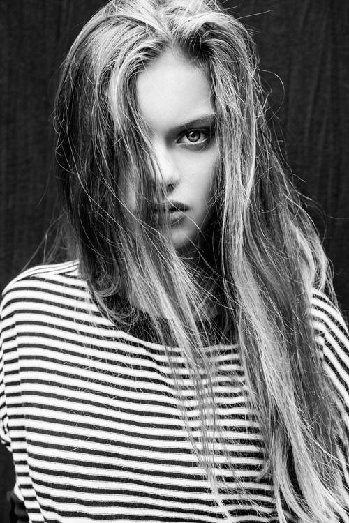 Cogito Ergo Sum Beauty Model Beauty Long Hair Styles
