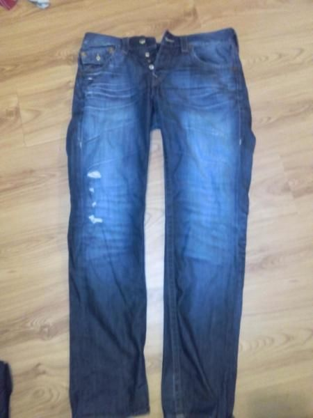 Größe 32 True Religion Brand Jeans Gebraucht Bei Fragen, gerne Nachricht Selbstabholung oder Versand möglich Da ich Privatverkäufer bin, keine Rücknahme und kein Umtausch