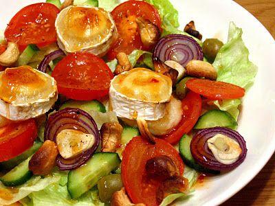 Vuohenjuustosalaatti chilikastikkeella