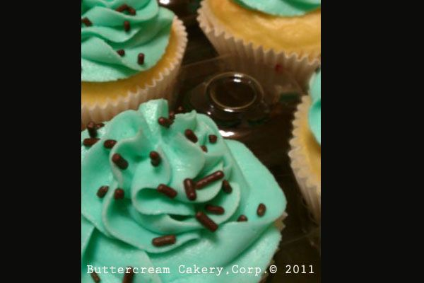 Vanilla cupcakes with Tiffany blue vanilla buttercream. Can anyone say bachelorette party?