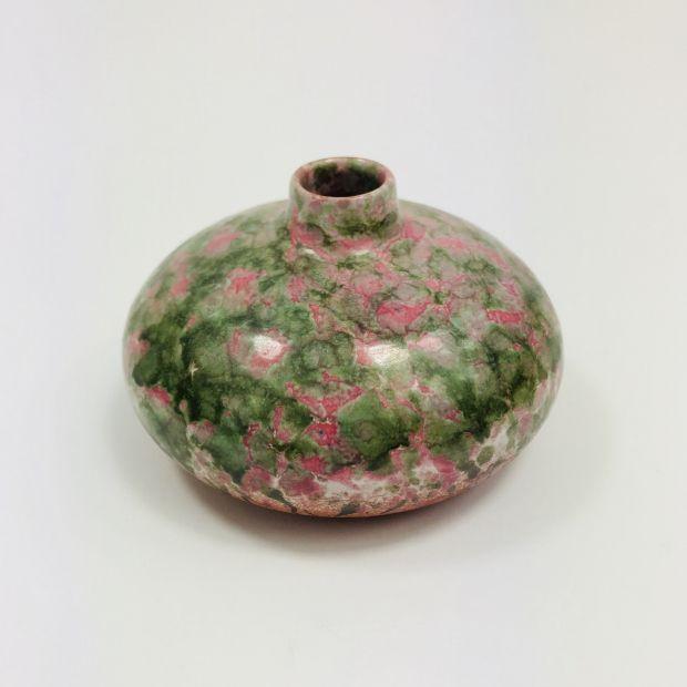 Malutki wazonik | Mini vase | buy on Patyna.pl | #forsale #vintage #vintagefinds #vintageshop #vintagelove #retro #old #design #home #midcenturymodern #want #amazing #home #inspiration #kitchen #decoration #furniture #vase #ceramics #green #pink #small #mini #cute #Zbiór