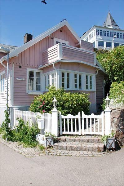 pink house! // Katarina's Verden: Det skjønne rosa huset...