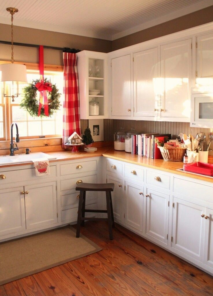 34 best christmas decorations for apartment on a budget kitchen remodel christmas kitchen on kitchen cabinets xmas decor id=64649
