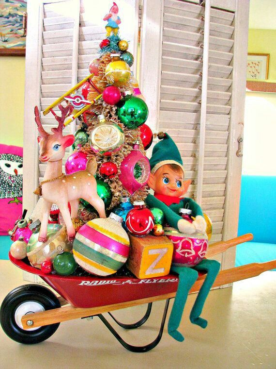 Make a xmas tree with your kid\u0027s toys!!!! Just amazing!!! Xmas